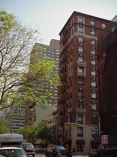 Pictures of the New York City Ramada Inn Hotel East Side - Click Photo to go to the Search NYC Hotel New York Hotel List